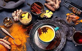 Produkte der Marke Kurkuma »Goldene Milch«